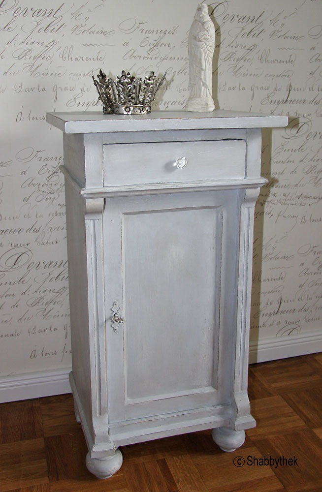 nachtschrank nachttisch restauriert shabby chic creme grau mit patina antik ebay. Black Bedroom Furniture Sets. Home Design Ideas